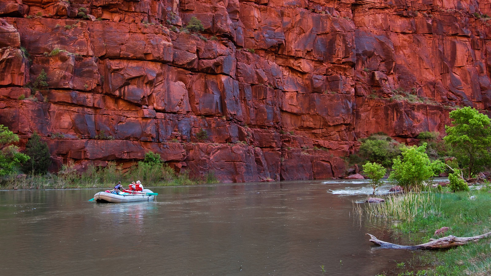 Whitewater Rafting on the Green River through Lodore Canyon